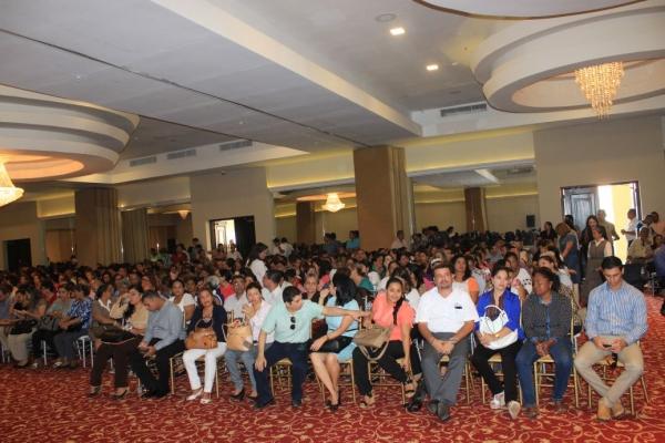 conferencia-educadores-36560851A-7A33-BD16-6FF0-CA11C60DCF3F.jpg