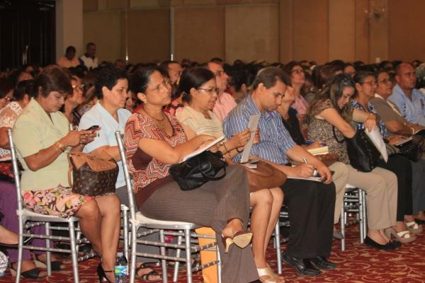 conferencia-educadores-646111B1E-7186-F954-0248-C09F5E5A0E65.jpg